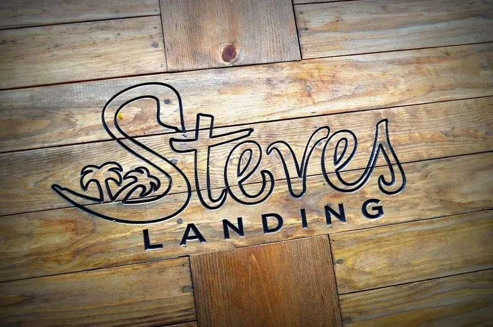 Steves Landing Restaurant - restaurant  | Photo 1 of 10 | Address: 1290 Bay Vue Rd, Crystal Beach, TX 77650, USA | Phone: (409) 684-1999