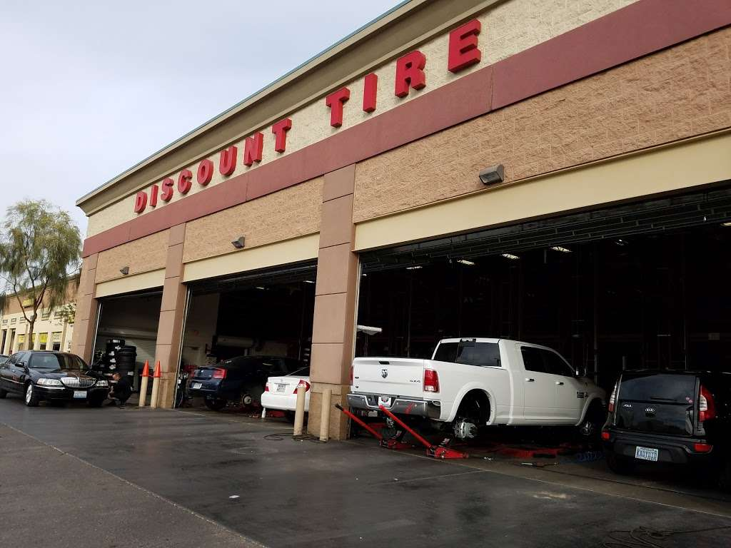 Discount Tire - car repair  | Photo 4 of 10 | Address: 3830 Blue Diamond Rd, Las Vegas, NV 89139, USA | Phone: (702) 893-3322