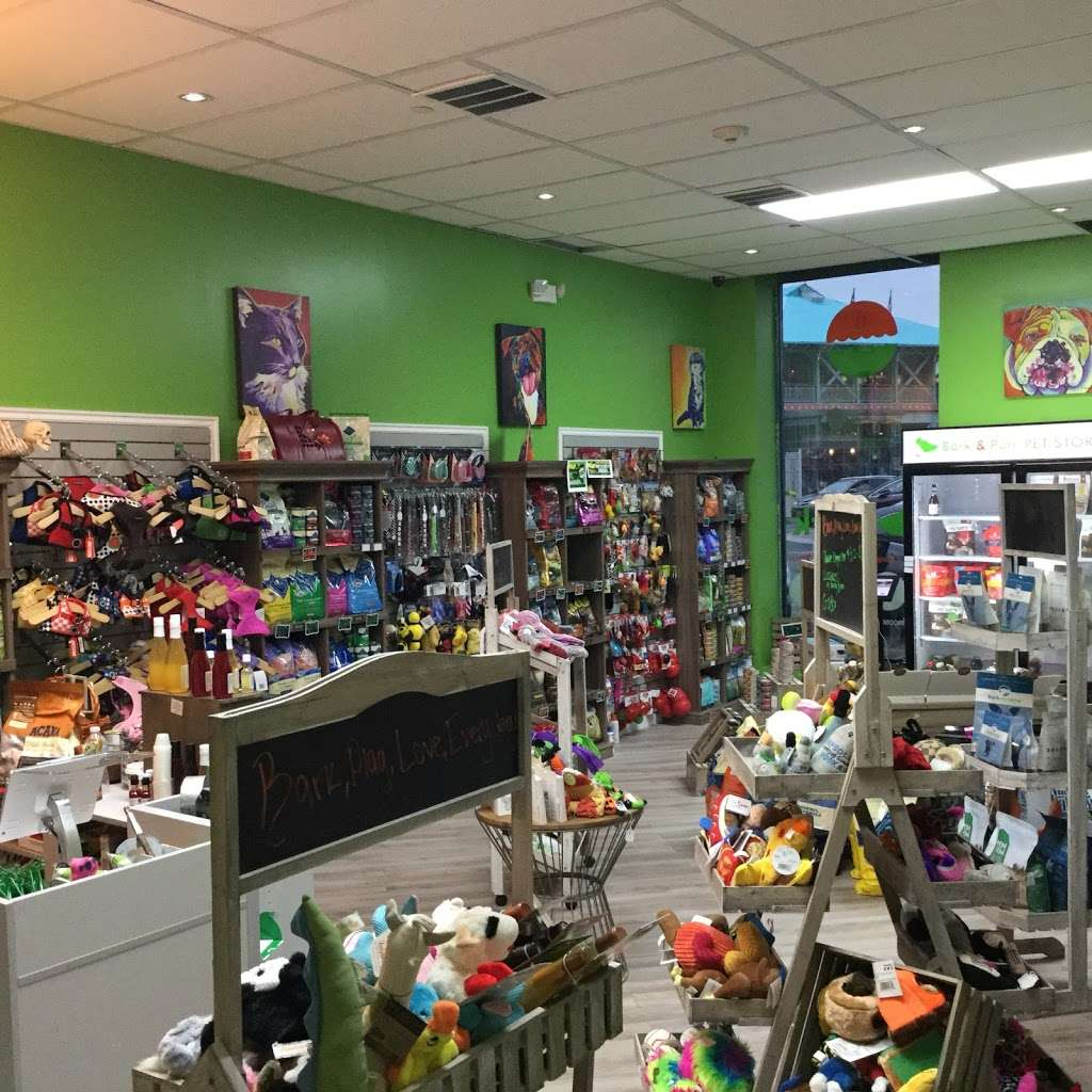 Bark And Purr Yonkers - clothing store    Photo 2 of 10   Address: 1 Pierpointe St, Yonkers, NY 10701, USA   Phone: (914) 476-2275