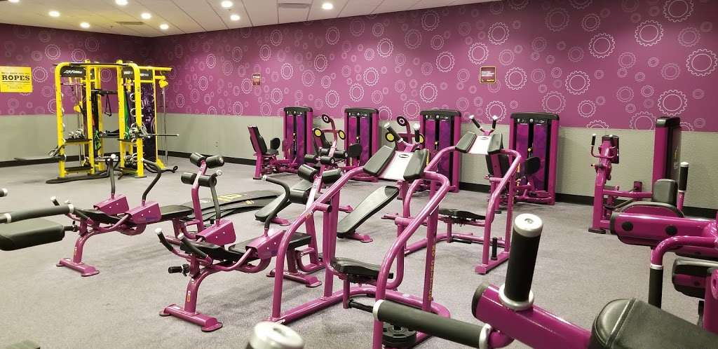 Planet Fitness - gym  | Photo 1 of 10 | Address: 1270 Strongbow Center Dr #200, Valparaiso, IN 46383, USA | Phone: (219) 510-5865