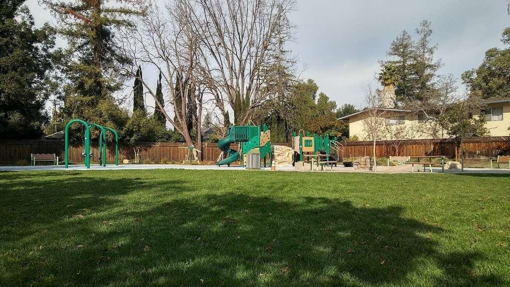 Del Medio Park - park  | Photo 5 of 10 | Address: 380 Del Medio Ave, Mountain View, CA 94040, USA | Phone: (650) 903-6326
