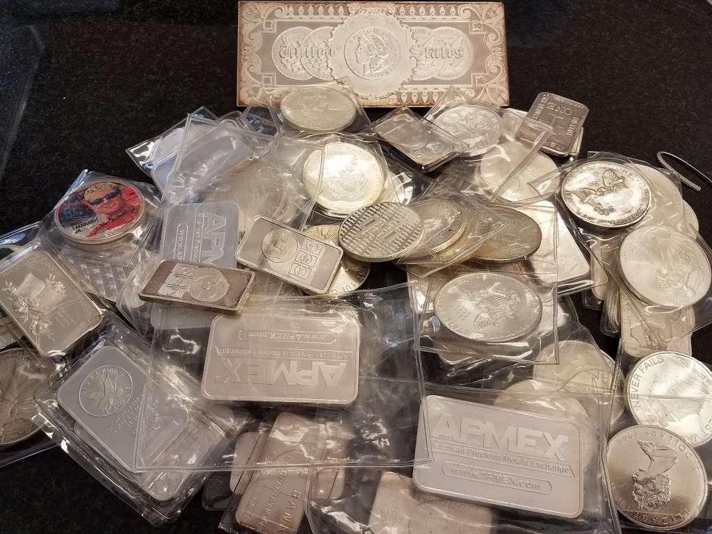 EZ Pawn Corp - jewelry store  | Photo 9 of 10 | Address: 2506 Flatbush Ave, Brooklyn, NY 11234, USA | Phone: (718) 377-7296
