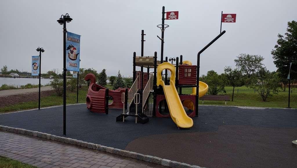 Trolley Park - park  | Photo 5 of 10 | Address: Secaucus, NJ 07094, USA