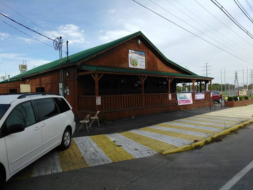 Lindsays Kitchen - restaurant  | Photo 6 of 10 | Address: 5300 Cane Run Rd #3103, Louisville, KY 40258, USA | Phone: (502) 384-4823