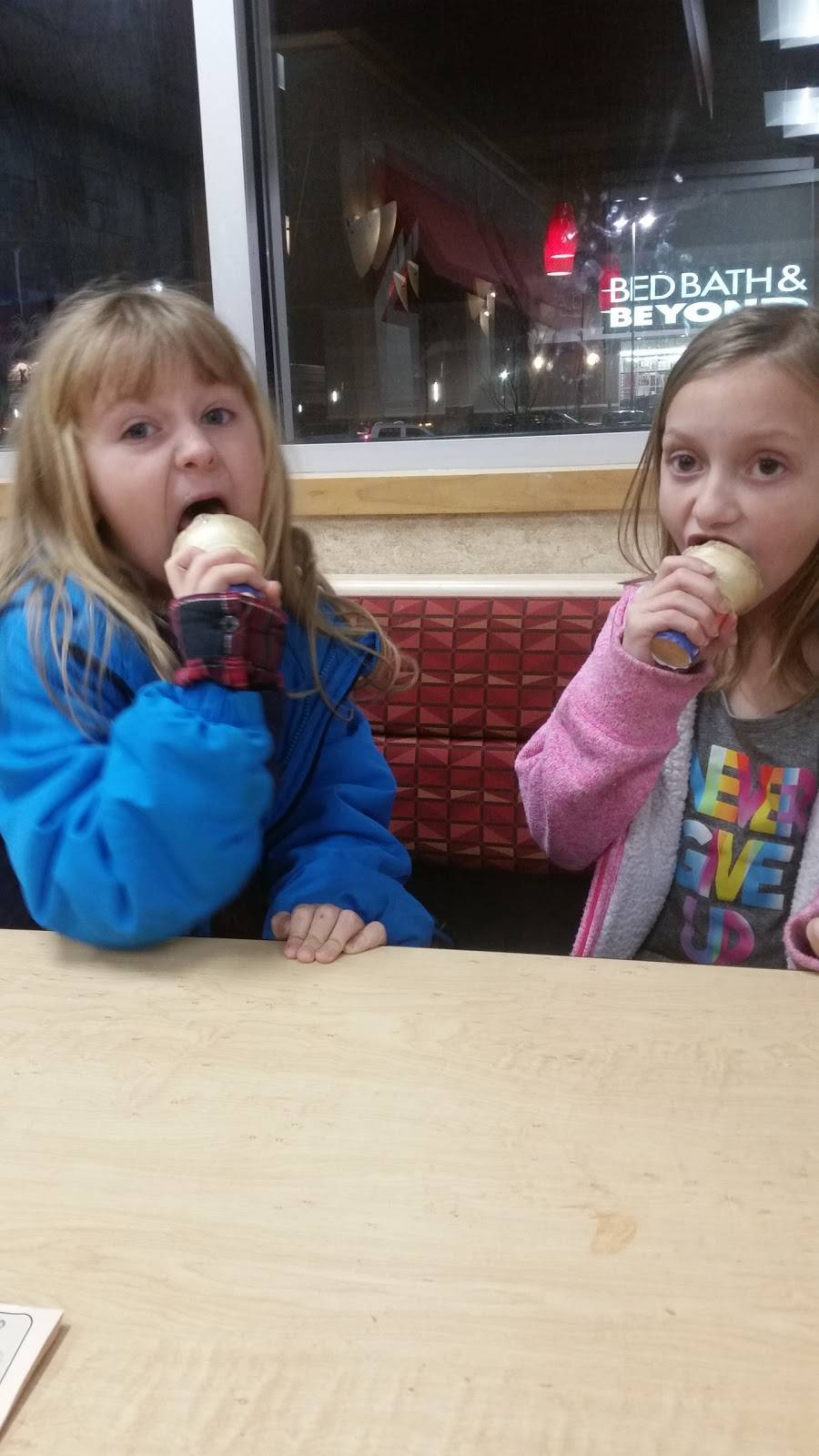 Dairy Queen Grill & Chill - restaurant    Photo 10 of 10   Address: 1055 Veterans Pkwy, Clarksville, IN 47129, USA   Phone: (812) 218-9127