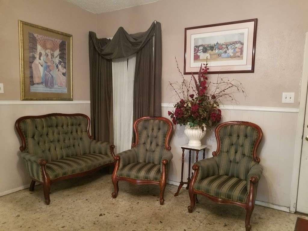 Sandra Clark Funeral Home - funeral home    Photo 5 of 10   Address: 6029 South R L Thornton, Dallas, TX 75232, USA   Phone: (214) 371-2600