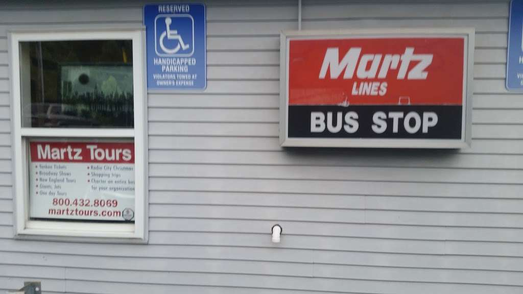 Martz Park & Ride - parking  | Photo 4 of 8 | Address: 5080 Independence Rd, East Stroudsburg, PA 18301, USA | Phone: (570) 420-1744