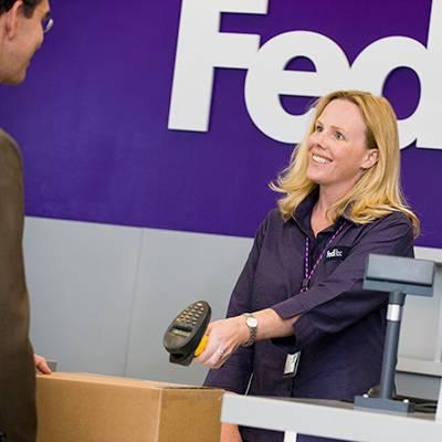 FedEx Ship Center - store  | Photo 3 of 9 | Address: 1121 W Cheyenne Ave, North Las Vegas, NV 89030, USA | Phone: (800) 463-3339