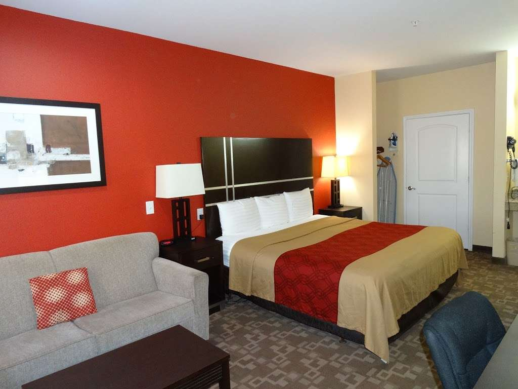 Americas Best Value Inn - lodging  | Photo 9 of 10 | Address: 7420 Garth Rd, Baytown, TX 77521, USA | Phone: (281) 837-5560
