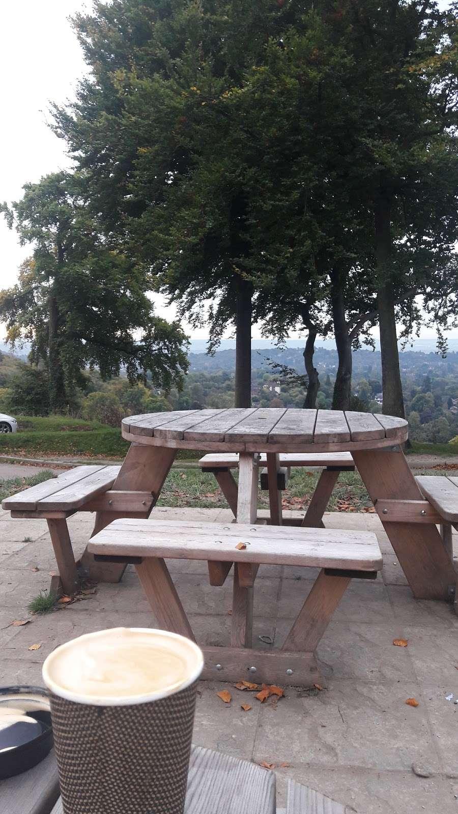 Reigate Hill Tea Room - cafe  | Photo 5 of 10 | Address: Car Park, Reigate Hill Park, Wray Ln, Reigate RH2 0HX, UK