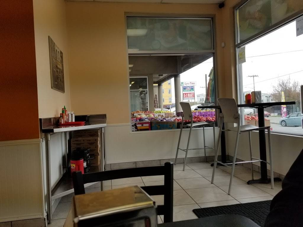 Greenwood Flame Burger - restaurant  | Photo 5 of 10 | Address: 10410 Greenwood Ave N B, Seattle, WA 98133, USA | Phone: (206) 708-7743