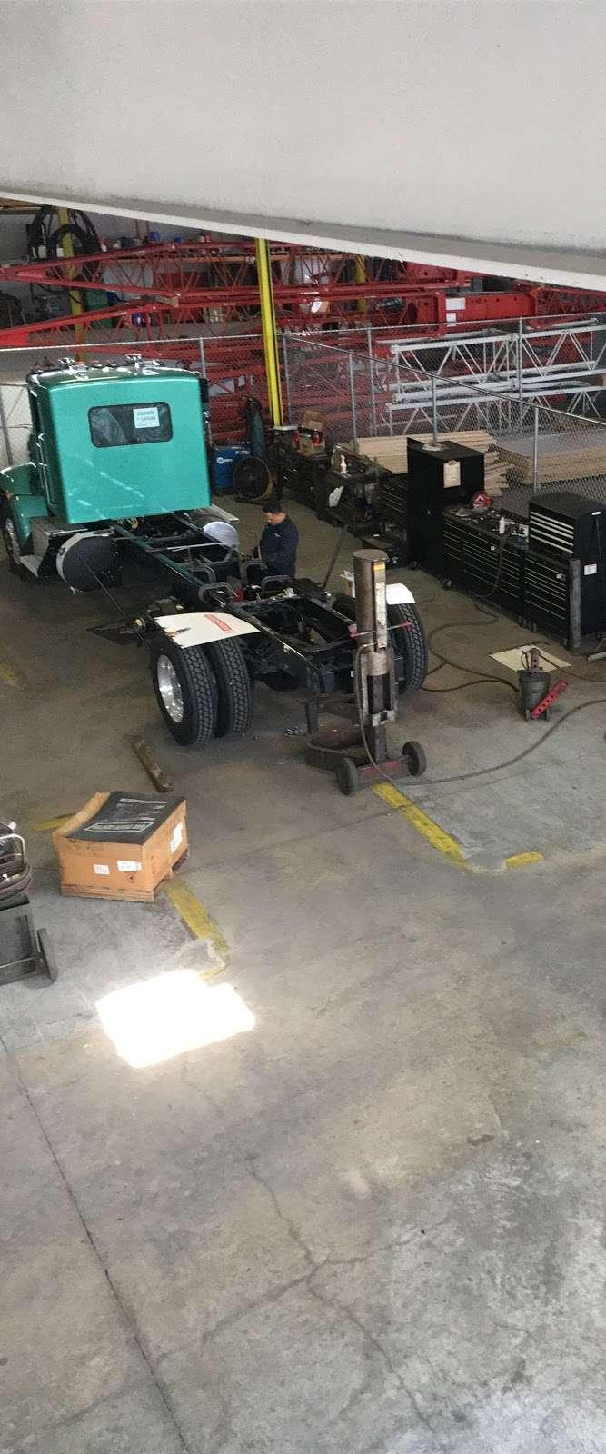 JOSEPH DANISI TRUCKS INC. - car repair    Photo 5 of 7   Address: 1030 Grand Blvd, Deer Park, NY 11729, USA   Phone: (631) 392-4000