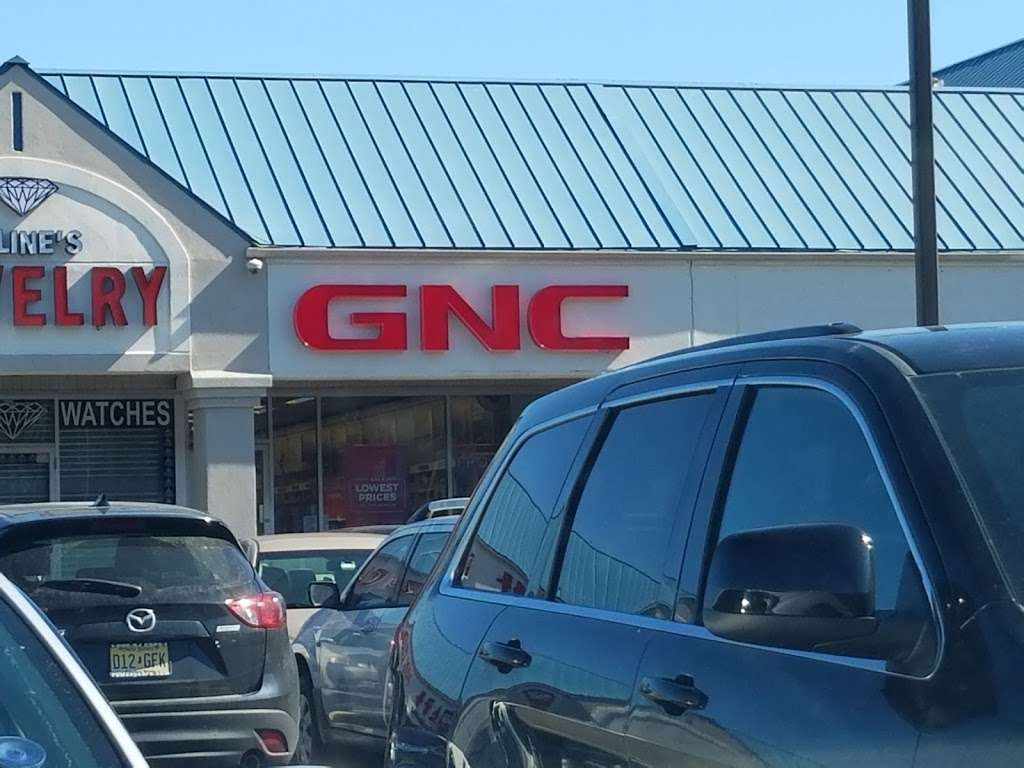 GNC - store  | Photo 4 of 10 | Address: 725 River Rd, Edgewater, NJ 07020, USA | Phone: (201) 941-5430