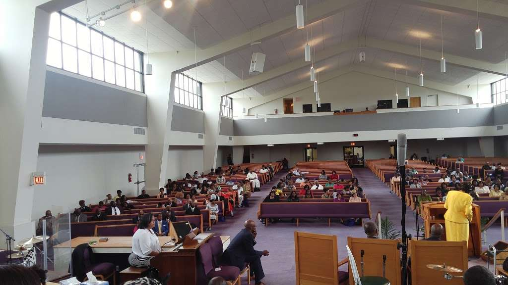 Freedom Temple Church of God - church  | Photo 8 of 10 | Address: 1459 W 74th St, Chicago, IL 60636, USA | Phone: (773) 483-1140