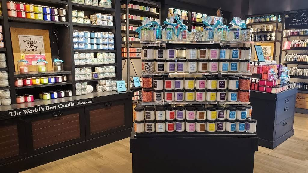 Bath & Body Works - home goods store  | Photo 3 of 8 | Address: 90 &, 92 Meadow Park Ave, Lewis Center, OH 43035, USA | Phone: (740) 549-3388