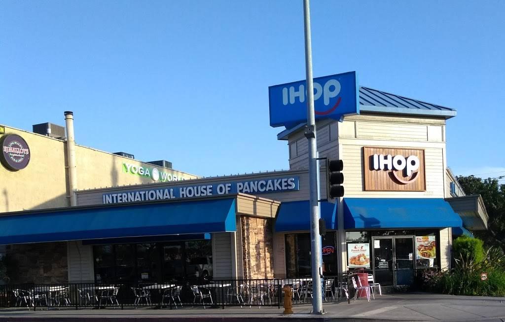 IHOP - restaurant  | Photo 3 of 10 | Address: 2050 N Bellflower Blvd, Long Beach, CA 90815, USA | Phone: (562) 799-4467