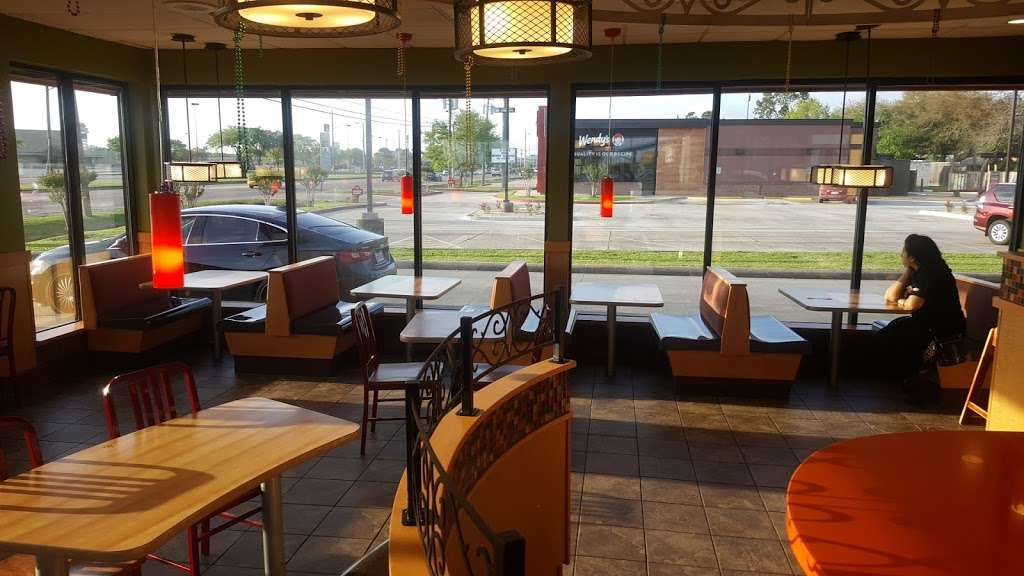 Popeyes Louisiana Kitchen - restaurant  | Photo 6 of 10 | Address: 6804 Garth Rd, Baytown, TX 77521, USA | Phone: (281) 421-7901