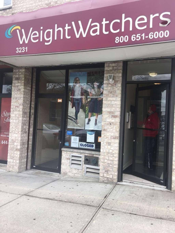 WW (Weight Watchers) - health    Photo 3 of 5   Address: 3231 Ampere Ave, Bronx, NY 10465, USA   Phone: (800) 651-6000
