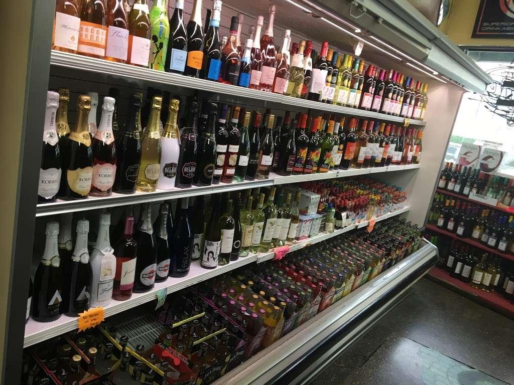 Bottle Liquor Store - store  | Photo 3 of 10 | Address: 550 Lexington Ave, Clifton, NJ 07011, USA | Phone: (973) 246-9159