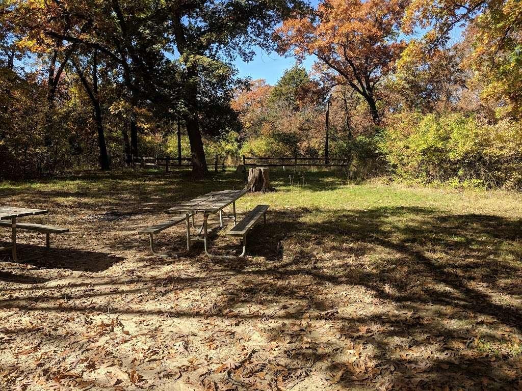 Campsite Chickasaw - campground  | Photo 2 of 4 | Address: Kansas City, KS 66111, USA