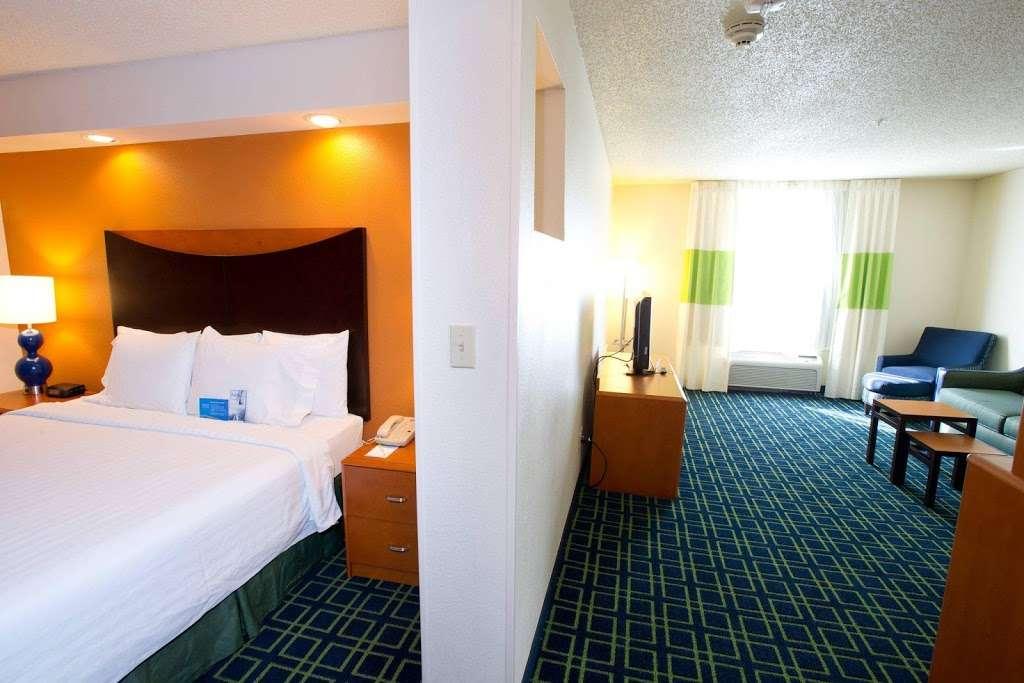 Fairfield Inn & Suites by Marriott Dallas DFW Airport North/Irvi - lodging  | Photo 5 of 9 | Address: 4800 W John Carpenter Fwy, Irving, TX 75063, USA | Phone: (972) 929-7257