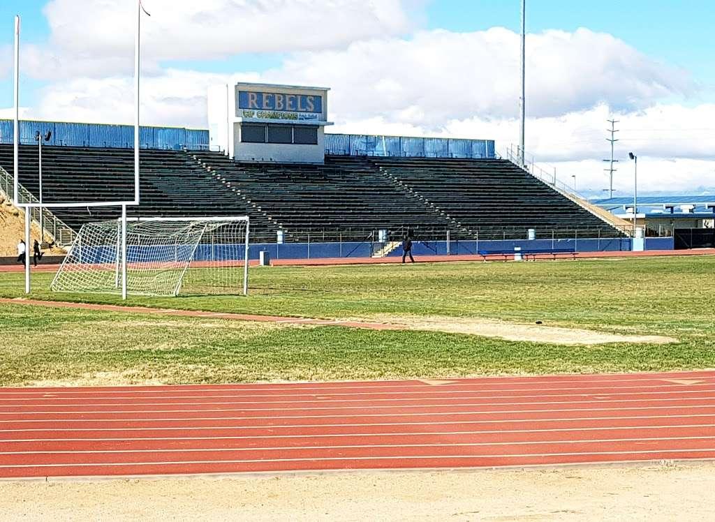 Quartz Hill High School - school  | Photo 1 of 4 | Address: 6040 W Ave L, Lancaster, CA 93536, USA | Phone: (661) 718-3100