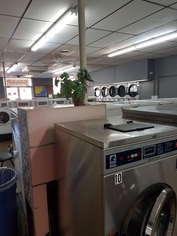 Maumee Laundry - laundry  | Photo 4 of 9 | Address: 122 E Indiana Ave, Maumee, OH 43537, USA | Phone: (419) 893-6351
