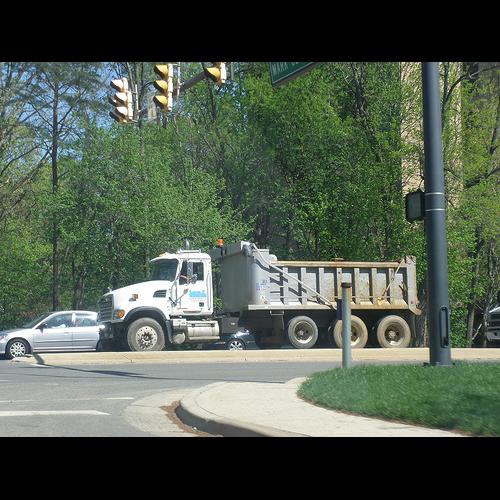 Lopez Trucking II LLC - moving company  | Photo 2 of 4 | Address: 10132 Giles Run Rd, Lorton, VA 22079, USA | Phone: (703) 372-1540