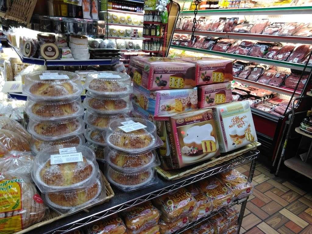 Pastosa Ravioli company - store  | Photo 5 of 10 | Address: 1076 Richmond Rd, Staten Island, NY 10304, USA | Phone: (718) 667-2194
