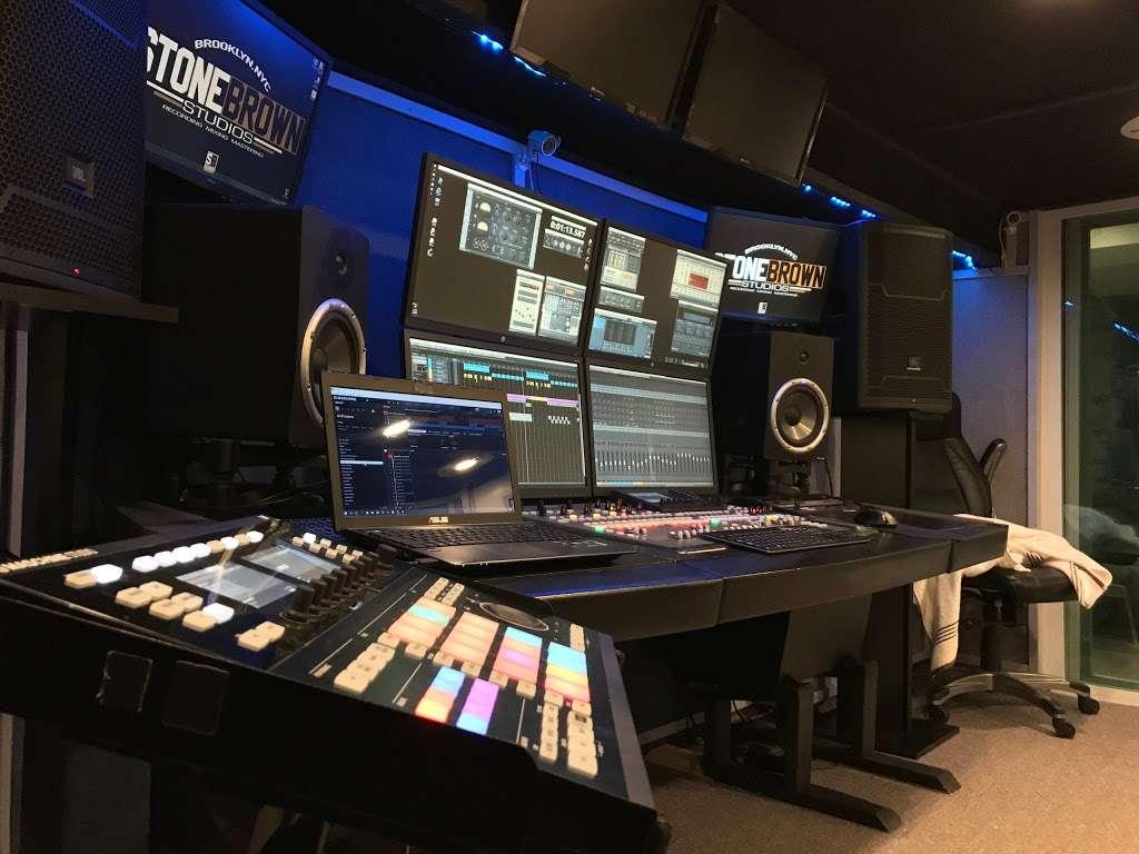 StoneBrown Studios - electronics store  | Photo 1 of 5 | Address: 626 Carlton Ave, Brooklyn, NY 11238, USA | Phone: (646) 481-2853
