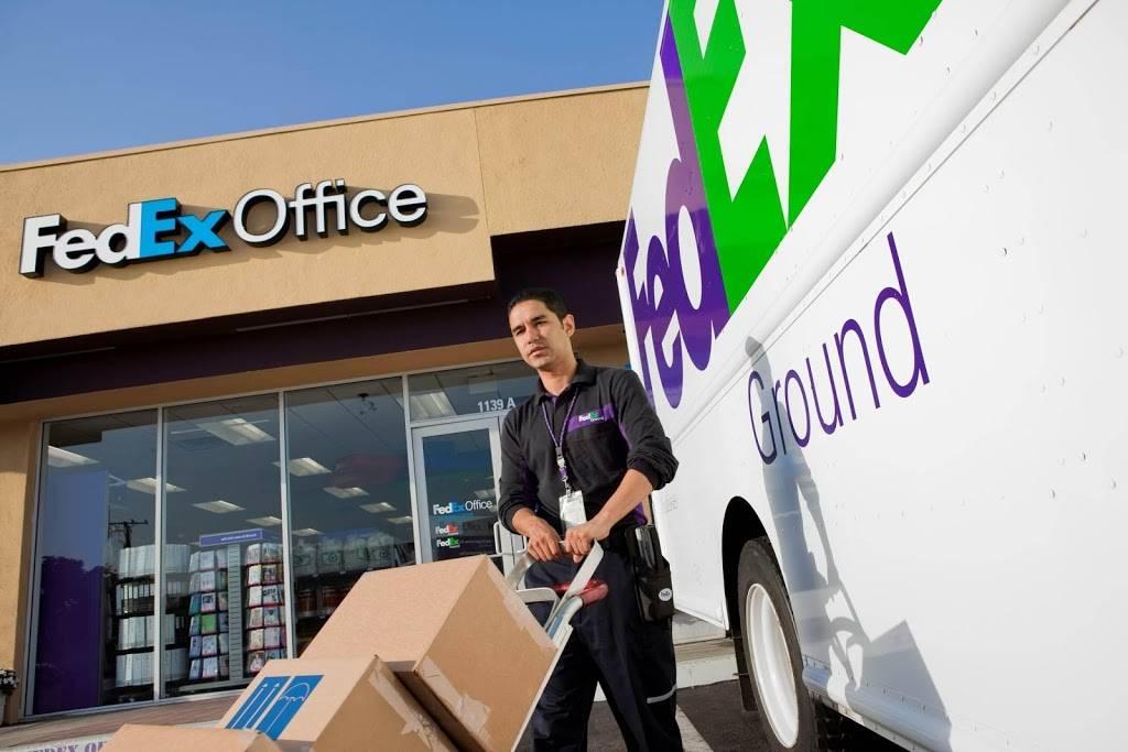 FedEx Office Print & Ship Center - store  | Photo 3 of 9 | Address: 1440 S E St Suite B, San Bernardino, CA 92408, USA | Phone: (909) 381-6282