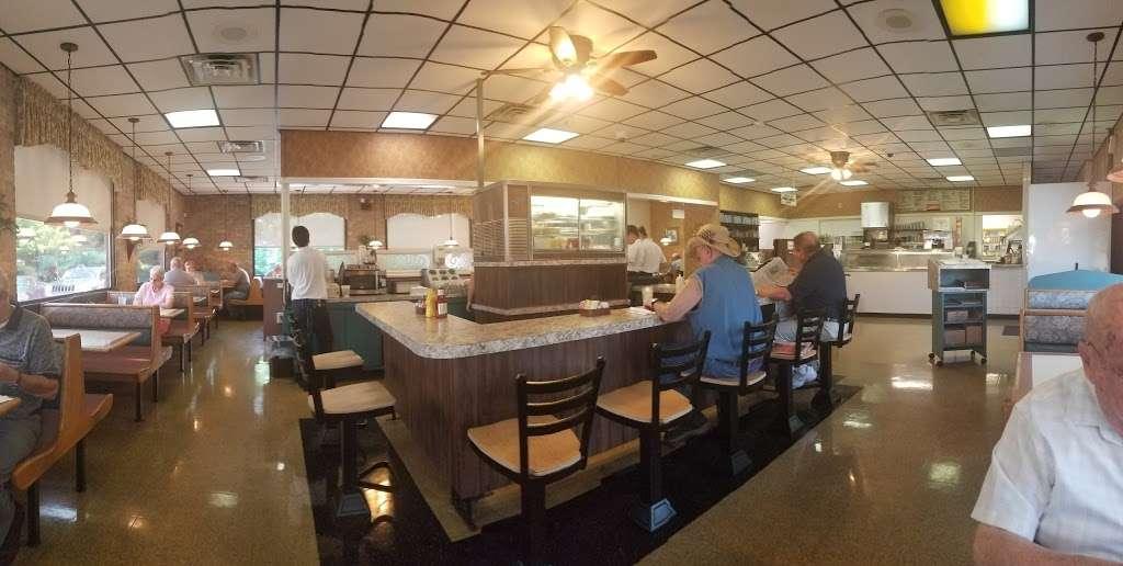 Clairs Family Restaurant - restaurant  | Photo 1 of 10 | Address: 1486 Grandview Rd, Hanover, PA 17331, USA | Phone: (717) 632-2077