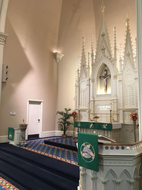 St. Lucas Lutheran Church - church  | Photo 10 of 10 | Address: 2605 S Kinnickinnic Ave, Milwaukee, WI 53207, USA | Phone: (414) 483-9122