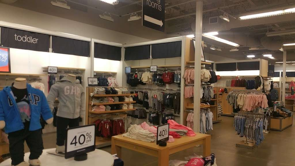 Gap Outlet - clothing store    Photo 1 of 10   Address: 17600 Collier Ave, Lake Elsinore, CA 92530, USA   Phone: (951) 245-6003