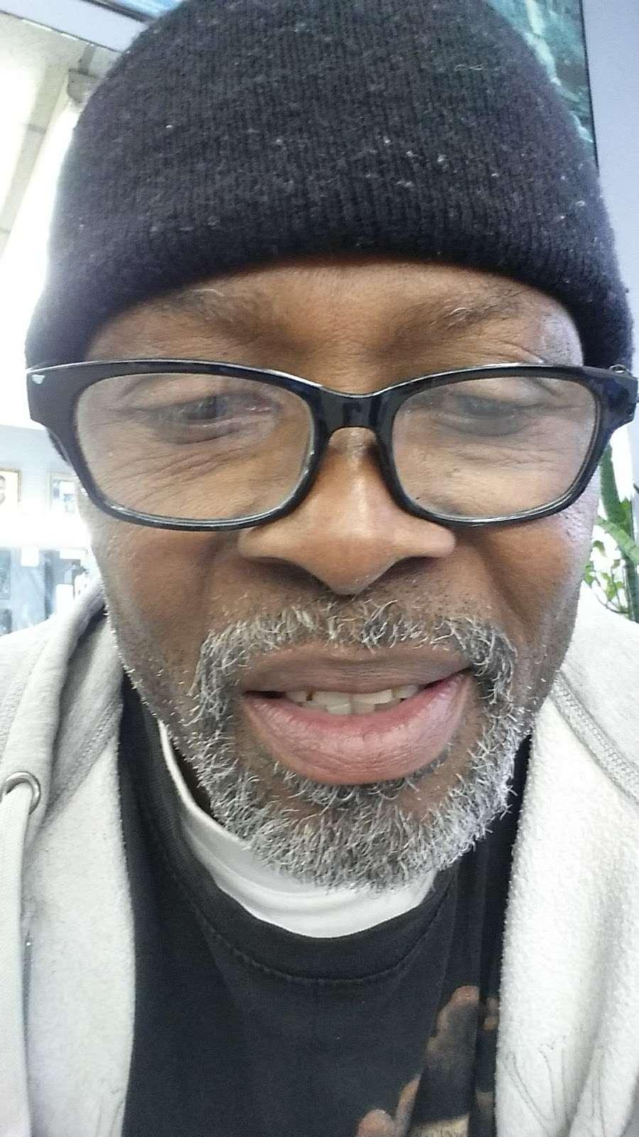 Murrays Barber Shop - hair care  | Photo 2 of 2 | Address: 538 Hegeman Ave # B, Brooklyn, NY 11207, USA | Phone: (718) 272-5081