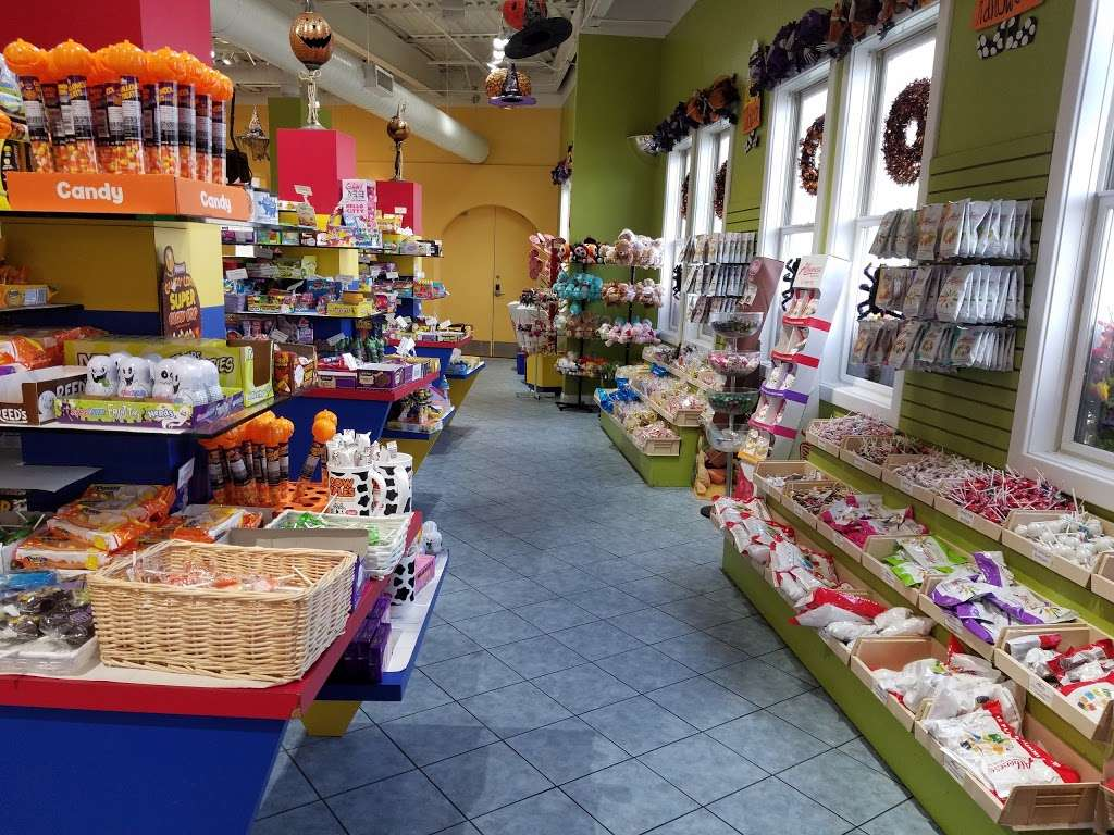 Albanese Confectionery Group - store  | Photo 9 of 10 | Address: 5441 E 81st Ave, Merrillville, IN 46410, USA | Phone: (219) 947-3070