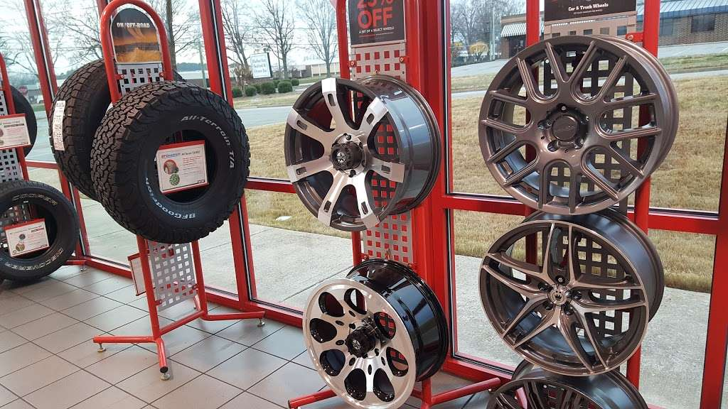 Discount Tire - car repair  | Photo 2 of 10 | Address: 2627 US Hwy 70 SE, Hickory, NC 28602, USA | Phone: (828) 322-2309