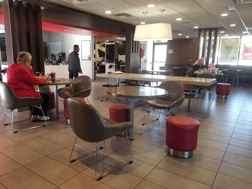 McDonalds - cafe  | Photo 5 of 10 | Address: 12808 Rancho Penasquitos Blvd, San Diego, CA 92129, USA | Phone: (858) 484-2081