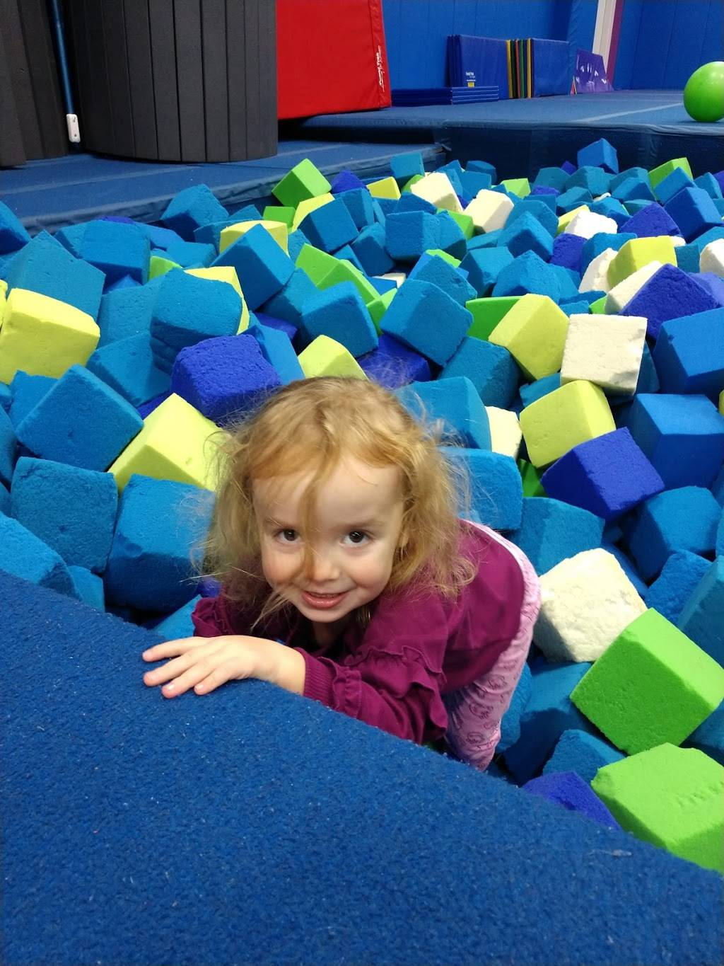 Lindseys Tumbling School - gym  | Photo 4 of 9 | Address: 700 Cochran Mill Rd, Clairton, PA 15025, USA | Phone: (412) 386-8065