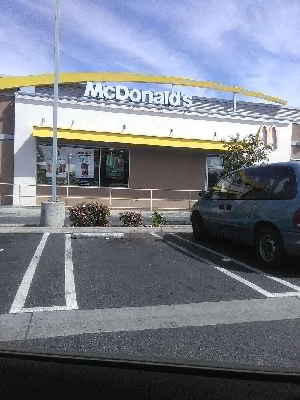 McDonalds - cafe  | Photo 3 of 10 | Address: 1452 W Carson St, Torrance, CA 90501, USA | Phone: (310) 320-2097
