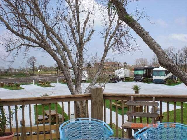 Paulas Vineyard RV Resort - rv park  | Photo 3 of 10 | Address: 1250 N Crystal Beach Rd, Port Bolivar, TX 77650, USA | Phone: (409) 684-9970