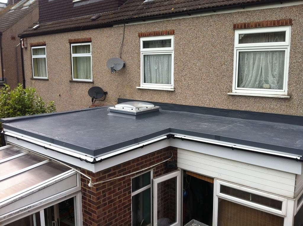 DF Roofing - roofing contractor    Photo 3 of 10   Address: Unit 9 Gary Owen Farm, Horndon on the Hill, Stanford-le-Hope SS17 8QB, UK   Phone: 01268 906242