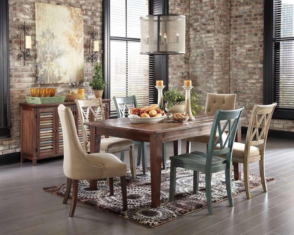 Arwoods Furniture & Mattress - Missouris LARGEST Furniture Sto - furniture store    Photo 4 of 10   Address: 801 Pride Ave, Warrensburg, MO 64093, USA   Phone: (660) 429-2264
