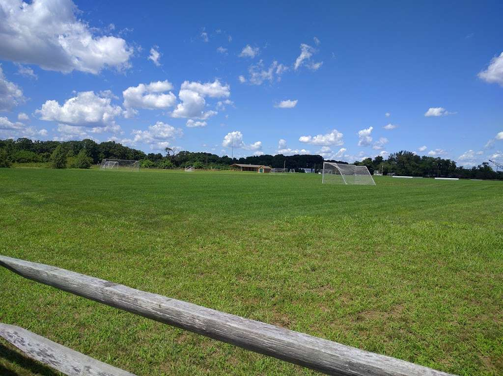 Pennington Park - park  | Photo 3 of 10 | Address: 801 Creek Rd, Delanco, NJ 08075, USA | Phone: (609) 265-5858