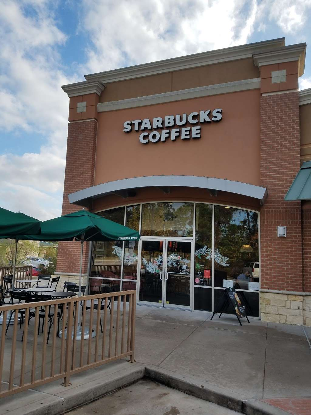 Starbucks - cafe  | Photo 4 of 10 | Address: 9955 Woodlands Pkwy, The Woodlands, TX 77382, USA | Phone: (281) 419-0329