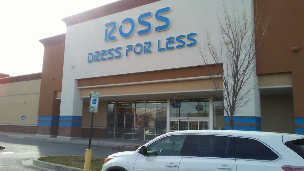 Ross Dress for Less - clothing store  | Photo 3 of 10 | Address: 2500 Gwynns Falls Pkwy, Baltimore, MD 21216, USA | Phone: (410) 225-9780