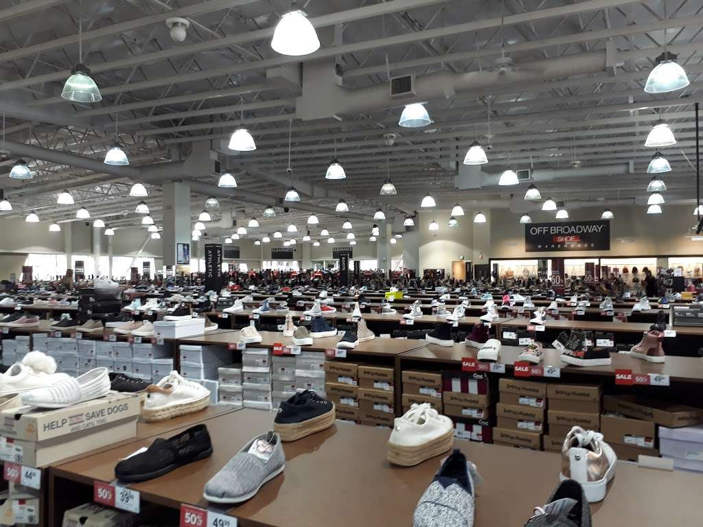 Off Broadway Shoe Warehouse, 6920