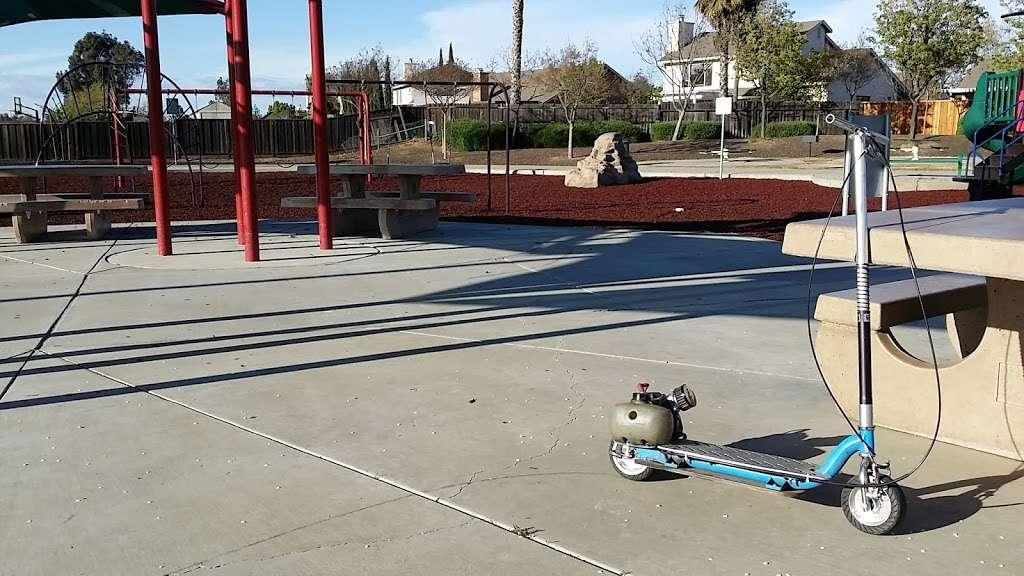 HOLLY CREEK PARK - park    Photo 7 of 10   Address: 4758 Hagar Ct, Oakley, CA 94561, USA   Phone: (925) 625-7037