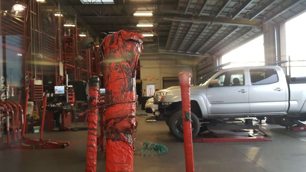 Discount Tire - car repair  | Photo 5 of 10 | Address: 2627 US Hwy 70 SE, Hickory, NC 28602, USA | Phone: (828) 322-2309