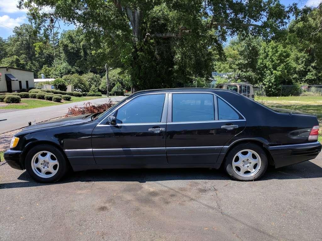 Elite Automotive Inc - car dealer  | Photo 3 of 10 | Address: 7709 Old Statesville Rd, Charlotte, NC 28269, USA | Phone: (704) 778-3735